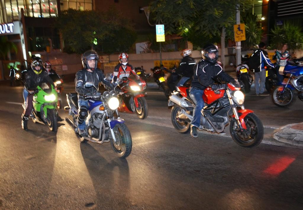 לילה של אחוות רוכבים
