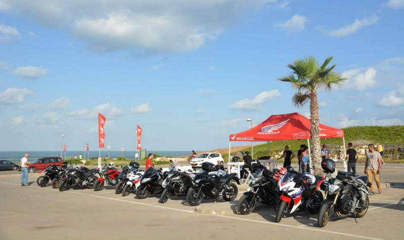 הדרכת רכיבה מקצועית ללקוחות הונדה אופנועים