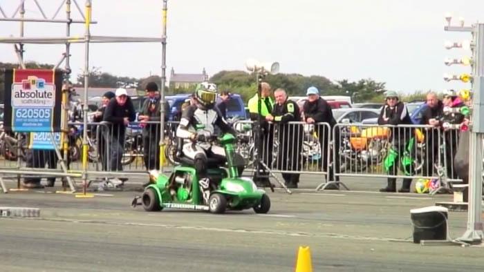 """שיא גינס חדש: 173 קמ""""ש ברבע מייל – עם קלנועית!"""