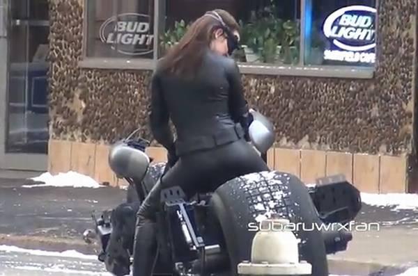 קוקוריקו: האופנוע של אשת החתול