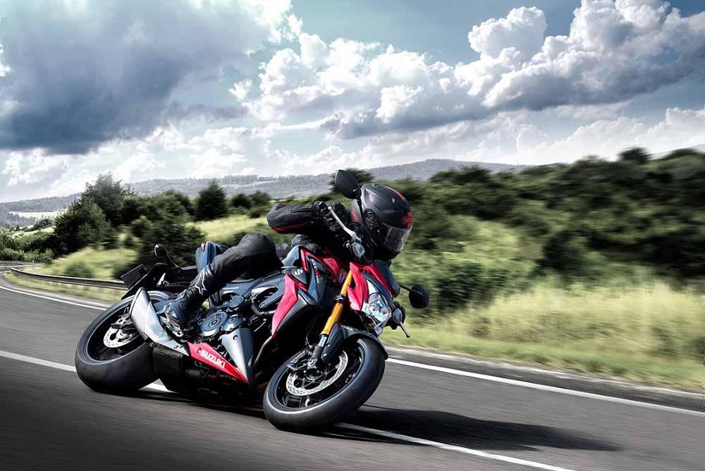טיול סוף שבוע ללא עלות לרוכבי אופנועי סוזוקי