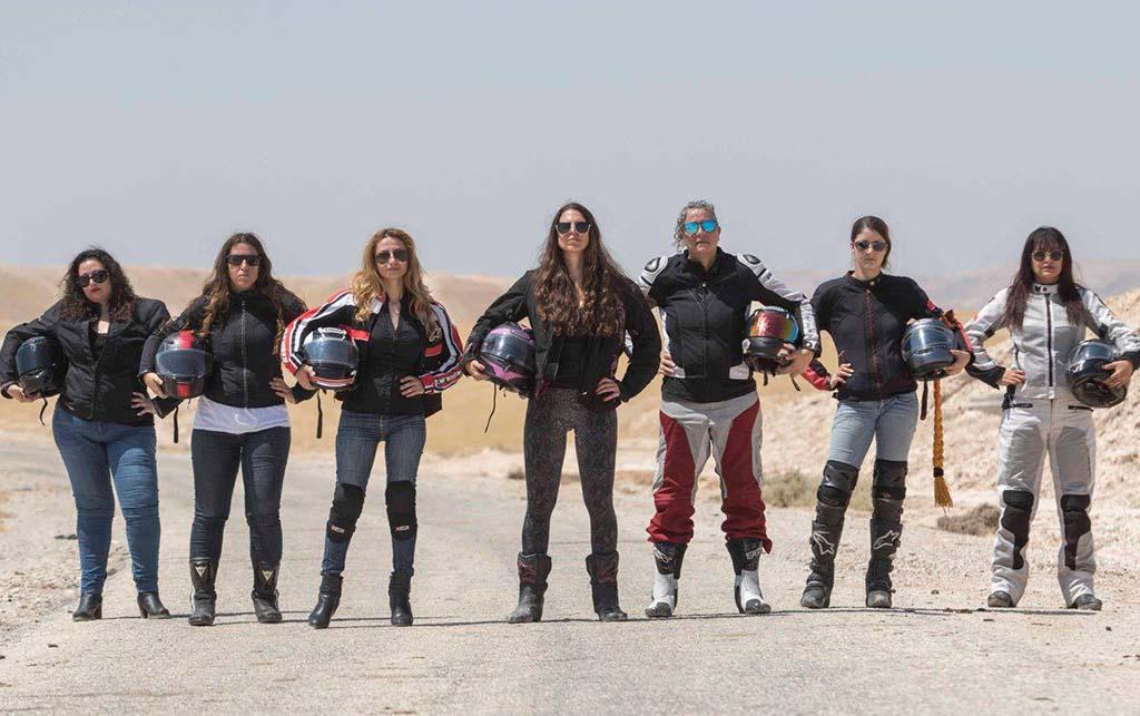 וידאו מתוק: נשים רוכבות נקודה!
