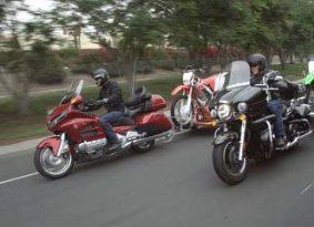 לגרור אופנוע – עם עוד אופנוע