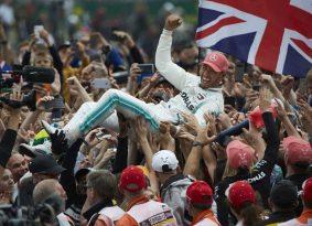 אנגליה F1 מרוץ: אלילת המזל עם המילטון