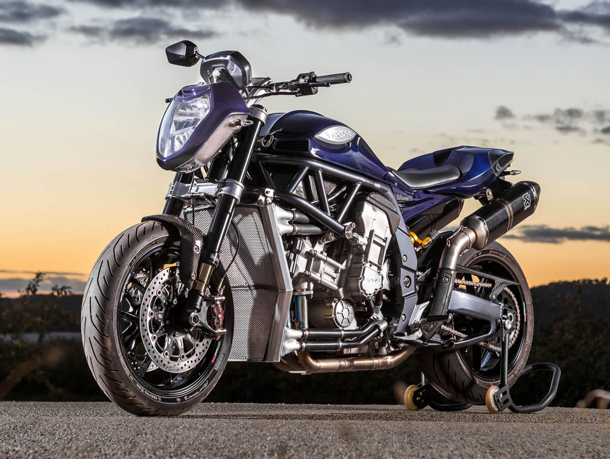 מאוסטרליה באהבה: אופנוע מוגזם לבעלי ידיים חזקות בלבד