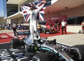 """מרוץ F1 ארה""""ב: בוטס מנצח, המילטון אלוף"""