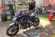 RHINO-TIRE-MOTORCYCLE-WASH