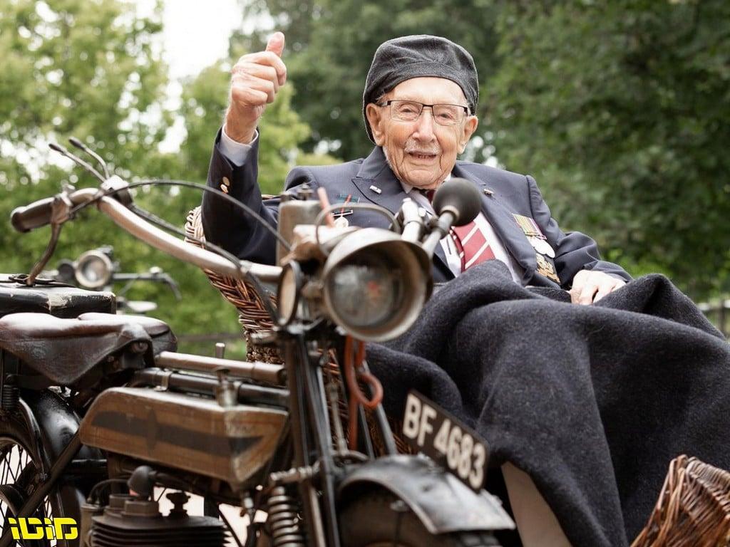 קפטן סר טום מור, גיבור ורוכב, הלך לעולמו בגיל 100
