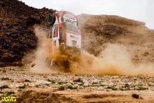 during the 5th stage of the Dakar 2021 between Riyadh and Al Qaisumah, in Saudi Arabia on January 7, 2021 - Photo Florent Gooden / DPPI332 Lategan Henk (zaf), Cummings Brett (zaf), Toyota, Toyota Gazoo Racing, Auto, action crash accident during the 5th stage of the Dakar 2021 between Riyadh and Al Qaisumah, in Saudi Arabia on January 7, 2021 - Photo Florent Gooden / DPPI